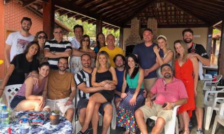 Bolsonaro cancela recontratação de amigo de seus filhos que usou voo da FAB