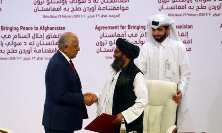 Após acordo com EUA, Talibã volta a atacar tropas do governo afegão