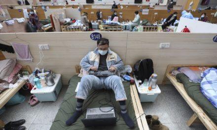 Pequim impõe quarentena a quem chegar de Itália, Irã, Japão e Coreia do Sul