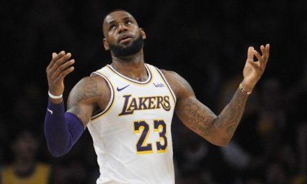 """""""Eles que se danem"""", diz LeBron James em resposta aos críticos."""