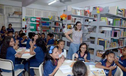 Escolas estaduais criam projetos que incentivam alunos a ler e escrever