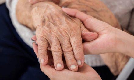 """Medidas drásticas: idosos com mais de 80 anos serão """"deixados para morrer"""" na Itália"""