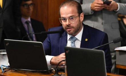 Senador cearense Prisco Bezerra é diagnosticado com coronavírus