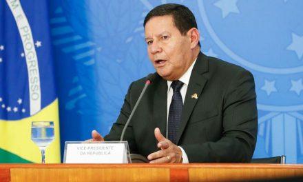 Mourão anuncia postos avançados de atendimento na Amazônia contra covid-19