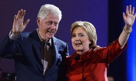 Bill e Hillary Clinton doam pizzas para hospitais em meio ao coronavírus