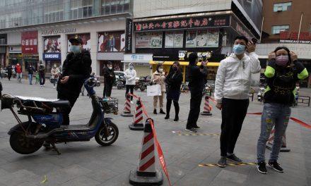 Autoridades de Wuhan, na China, orientam a ficar em casa e pedem vigilância