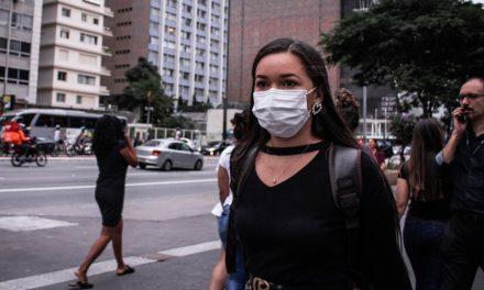 Governo dos EUA passa a recomendar máscara de pano a todos os americanos