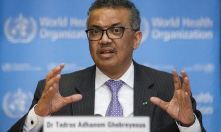 Diretor-geral da OMS denuncia que tem sido alvo de ataques racistas e ameaças nas redes sociais