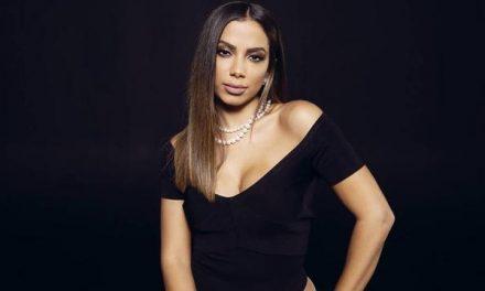 Anitta fala sobre shows em live na quarentena: 'Vou ficar devendo'