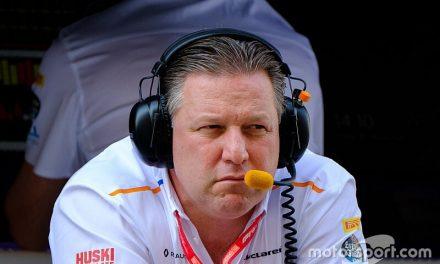 """McLaren: Ferrari e Red Bull estão """"brincando com fogo"""" na F1"""