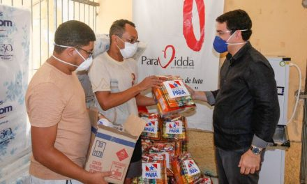 Trabalhadores informais e instituições recebem mais de 2 mil cestas de alimentos