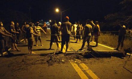 Moradores de Ajuruteua, Bonifácio e Campo do Meio fecham PA-458