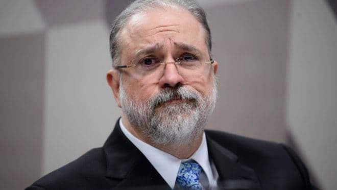 Aras pede que STF investigue participação de deputados em organização de atos contra a democracia