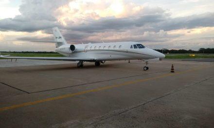 Avião com ex-ministro Blairo Maggi e família faz pouso de emergência em aeroporto de MT
