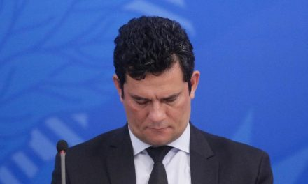 Moro anuncia demissão do Ministério da Justiça e deixa o governo Bolsonaro