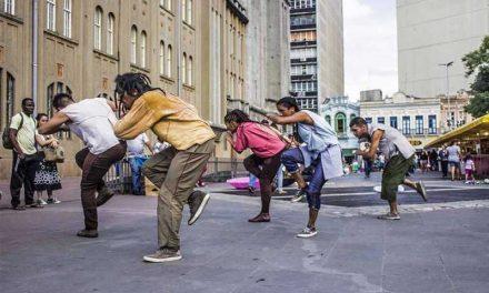Grupo apresenta espetáculo online de dança sobre masculinidade negra