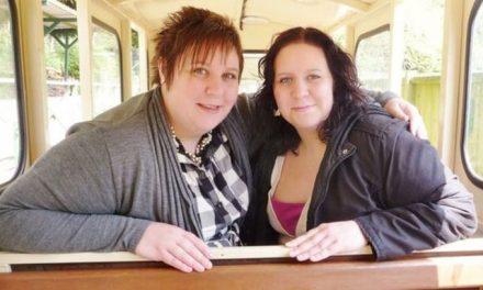 Gêmeas idênticas morrem de covid-19 no Reino Unido