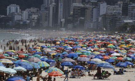 No Brasil, mortes por Covid-19 crescem mais entre pessoas com menos de 60 anos