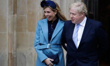 Boris Johnson anuncia nascimento do filho