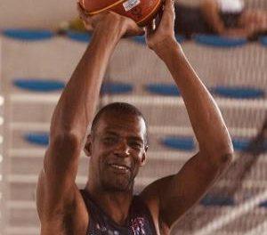Morre Gerson, recordista em jogos pela seleção brasileira de basquete .