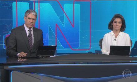 William Bonner não contém emoção após reportagem exibida no JN