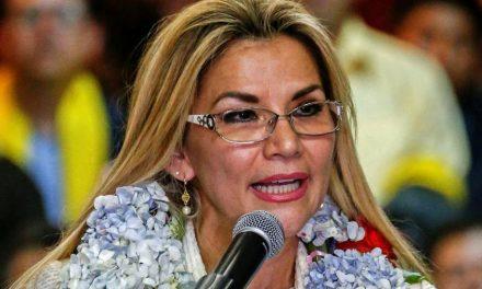 Congresso da Bolívia contraria presidente interina e determina eleições até agosto