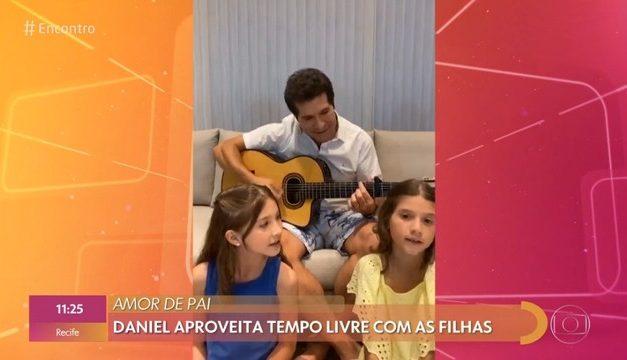 Daniel mostra lado musical das filhas Lara e Luiza