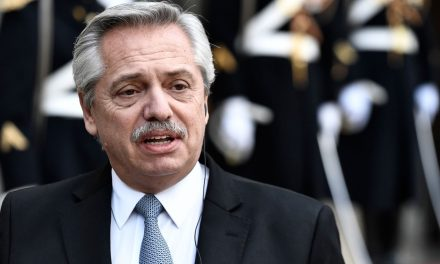 Presidente da Argentina diz que Brasil é um risco para a região