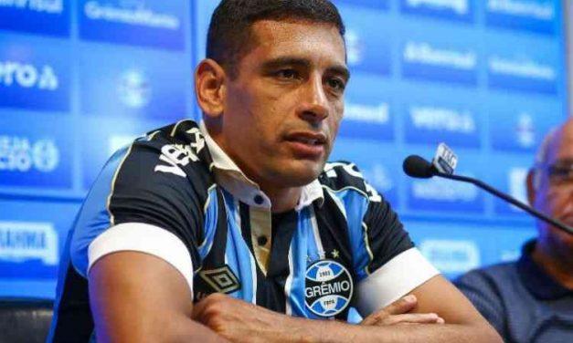 Diego Souza e mais dois do Grêmio testam positivo para o novo coronavírus