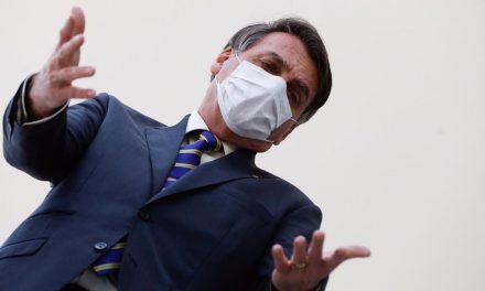 Bolsonaro usou palavrões e fez ameaças de demissão para trocar comando da PF no Rio