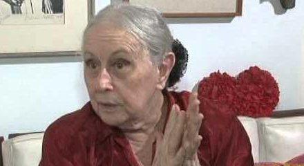 Morre poeta Olga Savary aos 86 anos