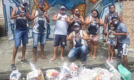 Torcida doa cestas básicas a famílias carentes em Belém