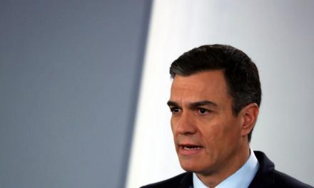 Primeiro-ministro espanhol pede desculpas por erros na pandemia