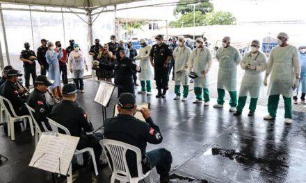 Banda da PM promove apresentação musical no Hospital Abelardo Santos