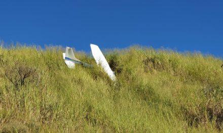 Avião cai no Aeroporto Carlos Prates, em Belo Horizonte