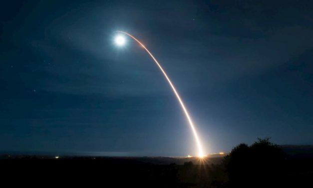 EUA avaliam retomar testes nucleares depois de 28 anos