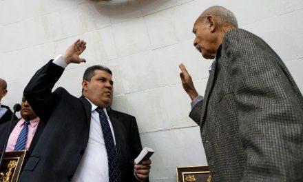 Justiça da Venezuela declara adversário de Guaidó como presidente do Parlamento