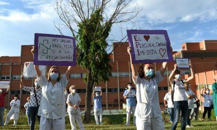 Mais de 50 mil profissionais de saúde pegaram o coronavírus na Espanha