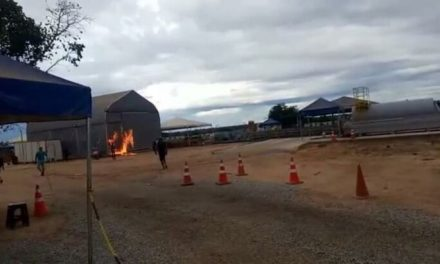 Moradores incendeiam alojamento de trabalhadores com Covid-19