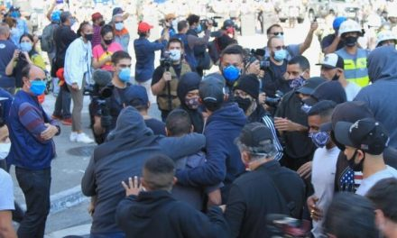 Grupo bolsonarista provocou confronto na Paulista, afirma fotojornalista