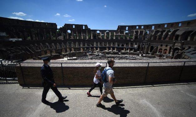 Coliseu de Roma tem tímida reabertura em meio à pandemia