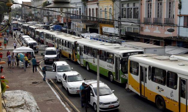 Frota de ônibus aumenta nas ruas para retomada de atividades