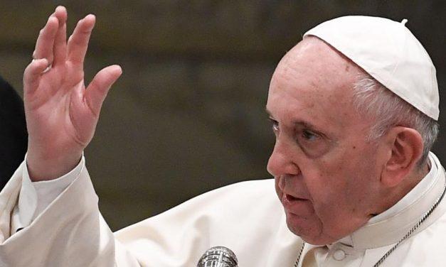 Papa faz evento ambiental com Michelle Bolsonaro e outras primeiras-damas