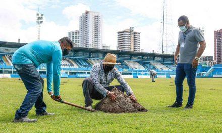 Aproveitando período sem jogos, Paysandu reforma gramado e sistema de drenagem da Curuzu