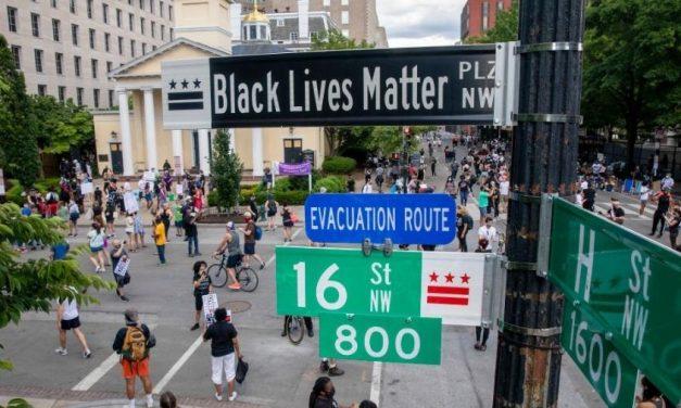 Prefeita renomeia rua em frente à Casa Branca como 'Black Lives Matter'