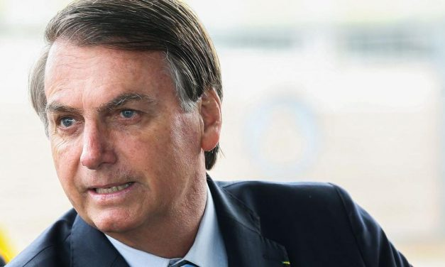 Bolsonaro responsabiliza governadores e prefeitos por combate ao coronavírus