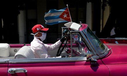 Cuba quer testar turistas contra o coronavírus para evitar propagação
