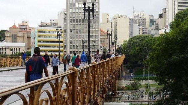 São Paulo sustenta taxa de isolamento mesmo com reabertura