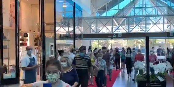 México se prepara para reabrir negócios em metade do país em meio à pandemia