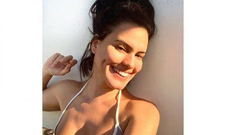 """Letícia Lima posta foto de topless para chamar a atenção para a pandemia: """"Para de bater perna"""""""